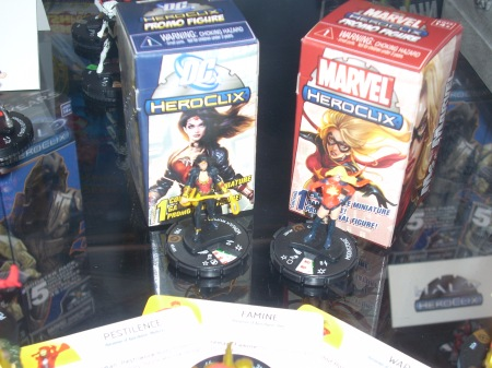 Heroclix Wonder Woman and Moonstone