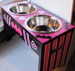 Raised Pet Feeder