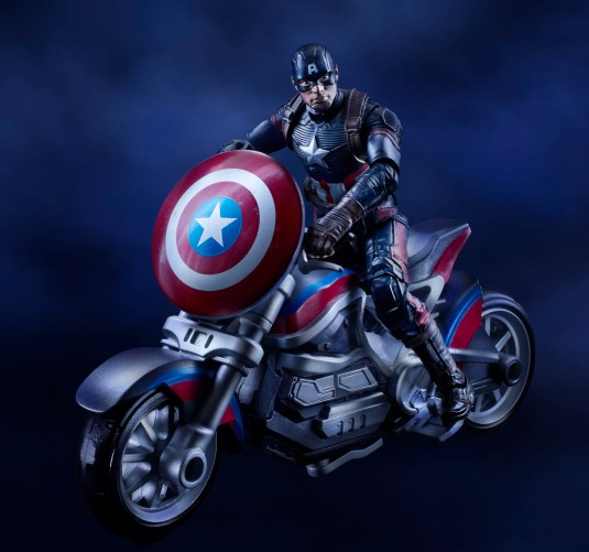 Civil War 3.75 Captain America with motorcycle