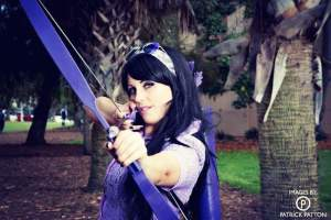 Tiffany Caddell, aka Monday Mournings, Hawkeye Kate Bishop cosplay