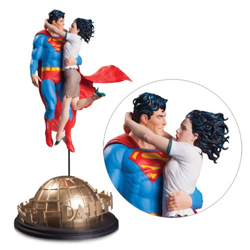DC Designer Series Superman and Lois Lane By Gary Frank Statue