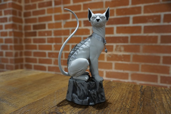 saga-lying-cat-statue-lcsd-1