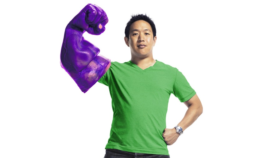 comic-book-men-season-4-cast-gallery-ming-chen-1200x707