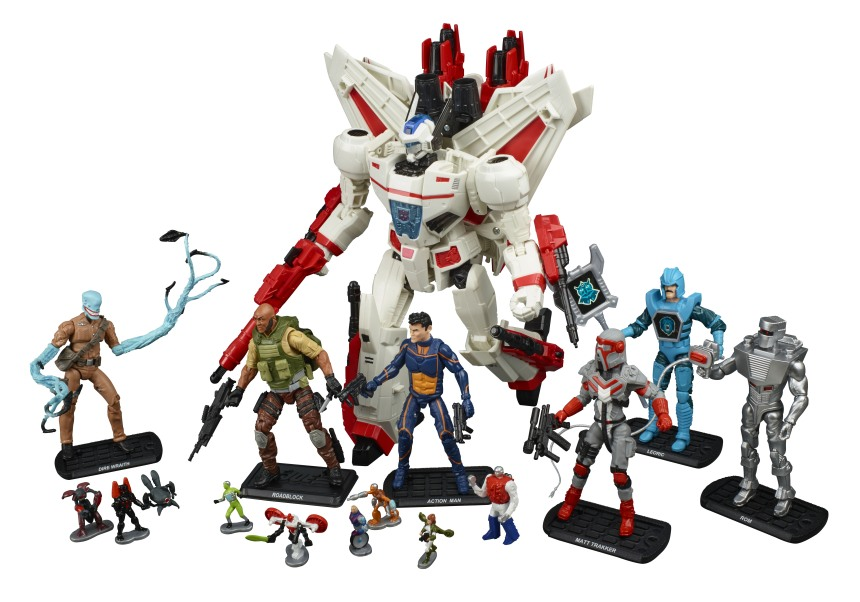 Hasbros SDCC Exclusive Crossover Set Brings Together Transformers